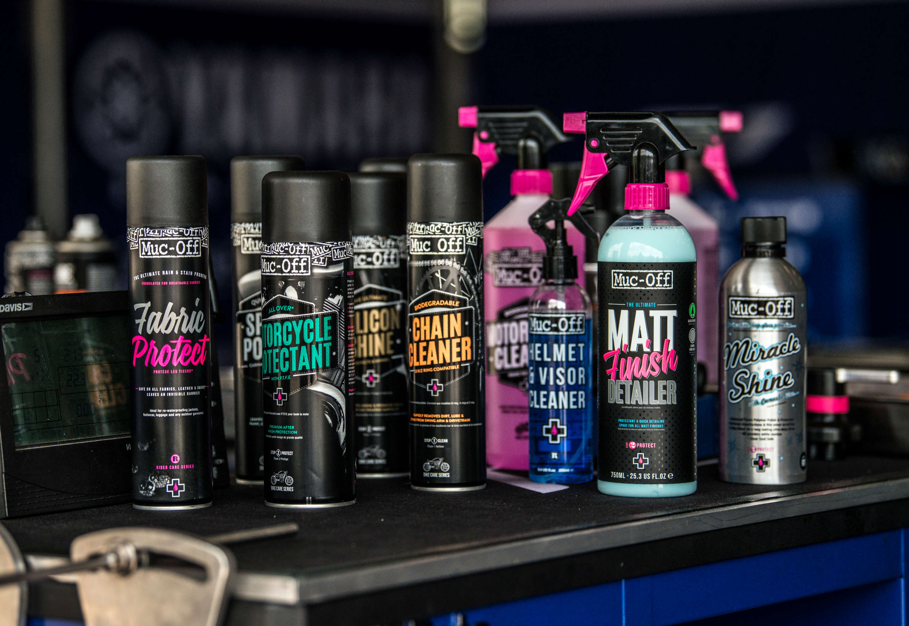 MUC-OFF CLEANS UP WITH ARENACROSS